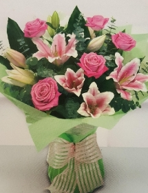 pink rose and  stargazer lilly classic